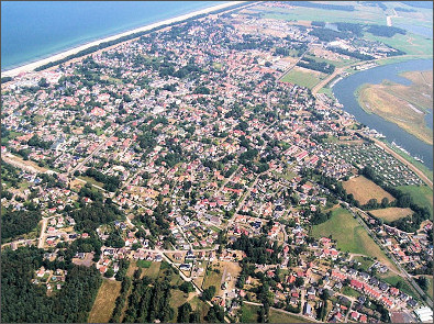 Ein Luftbild von Zingst